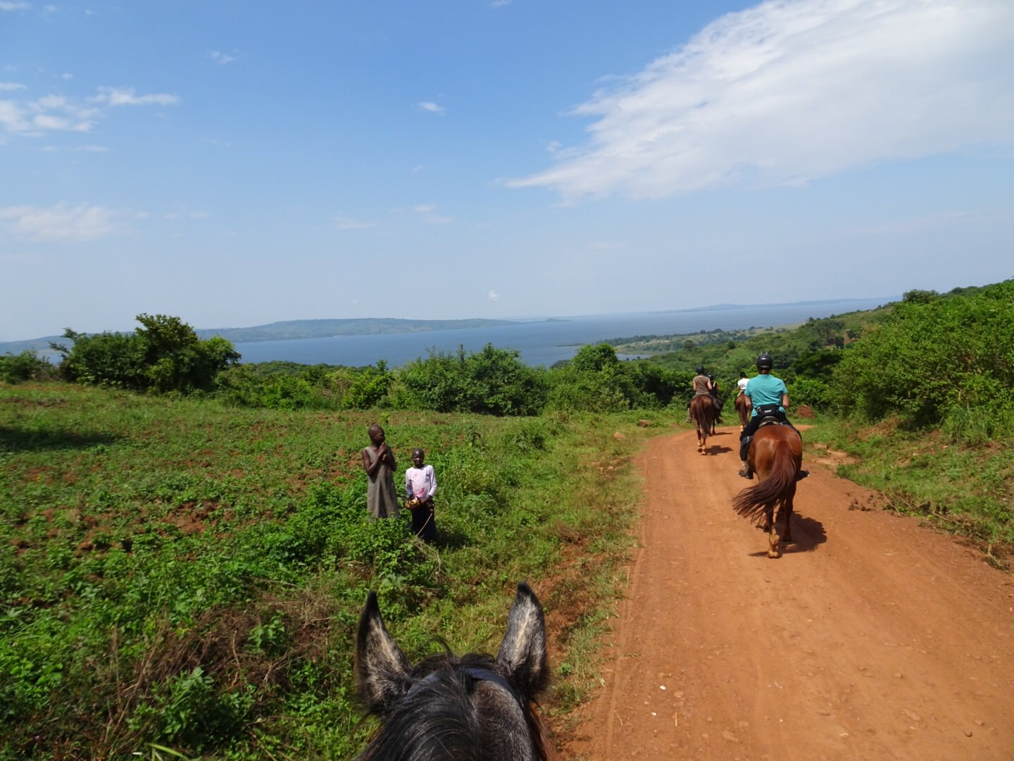 lake victoria, Uganda – Riding by the Nile and Lake Victoria, In The Saddle