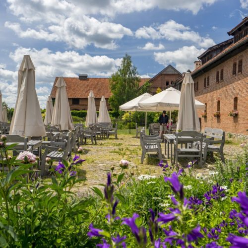 Galiny Restaurant garden