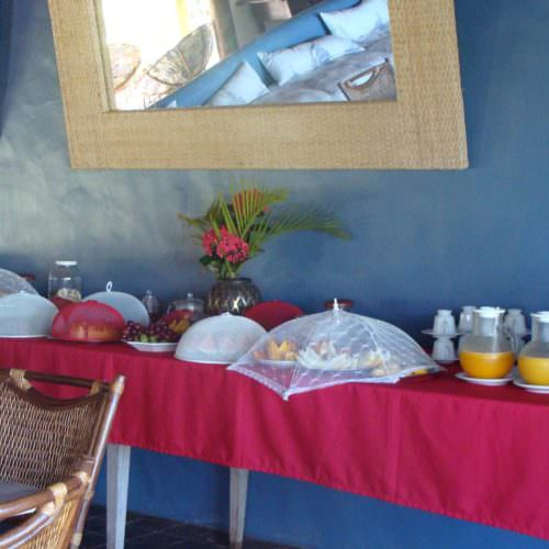 Riding Holidays in Brazil. Beach riding in Bahia. Breakfast buffet in dining room.