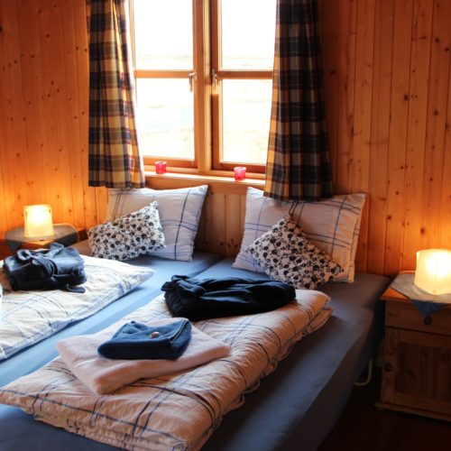 Iceland cottage twin room