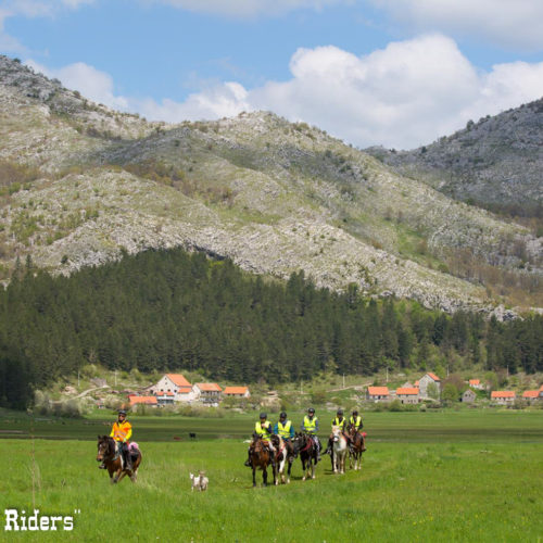 Ride through traditional small settlements