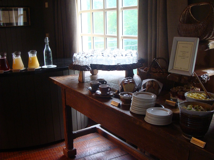 Ireland, Castle Leslie, breakfast